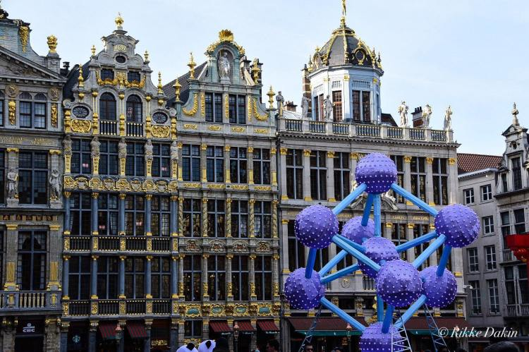 The other thing to see in Brussels is the Grand-Place, or the Main Square.